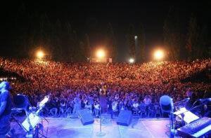 Φεστιβάλ Βύρωνα Θέατρο Βράχων 2015 | Συναυλίες & Παραστάσεις / Πρόγραμμα