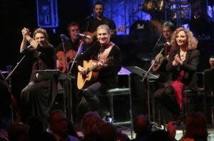 Ο Γιώργος Νταλάρας, η Ελένη Βιτάλη και η Γλυκερία για μια συναυλία στο Θέατρο Βράχων!