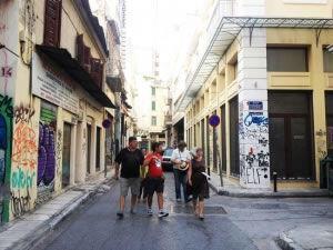 Άστεγοι συμπολίτες μας δείχνουν το δρόμο!