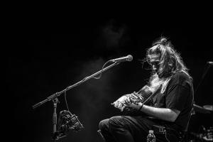 Ο Γιάννης Χαρούλης για μία συναυλία στο Κατράκειο Θέατρο στη Νίκαια!