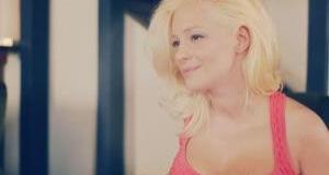 Νατάσσα Μποφίλιου «Ένα φιλί από δυόσμο» (Video clip)!